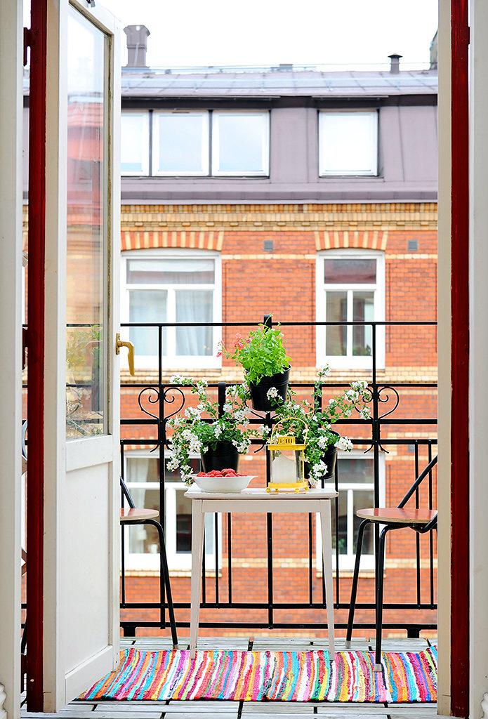 Небольшая квартира с изящными элементами дизайна. 64 кв.м. -.
