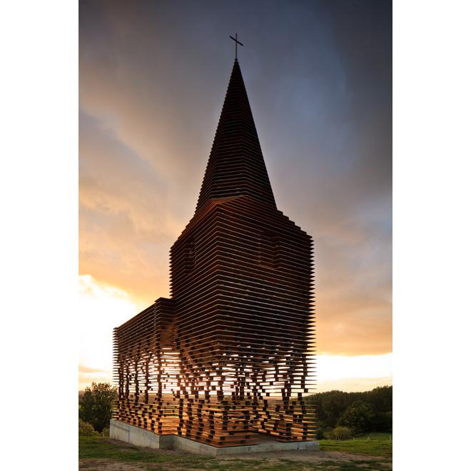 pit-gijsvanvaerenbergh_readingbetweenthelines-kerk_05