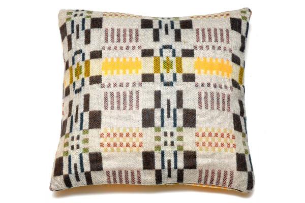 Bora-Da-square-cushion-willow-reverse_grande