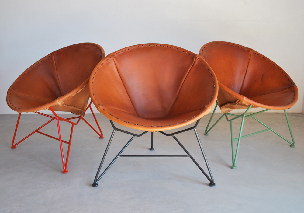 Round Saddle Leather Chair by Jamey Garza - flodeau.com 01