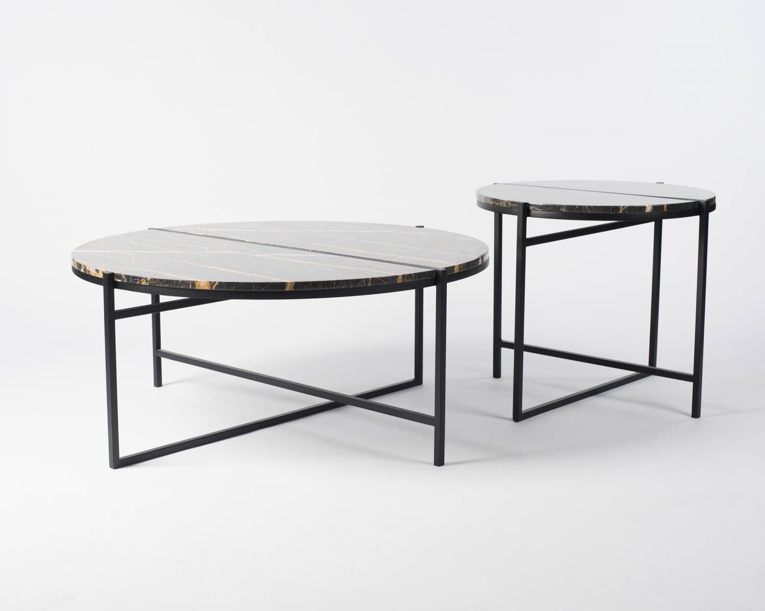 Other Way Round table by Isabell Gatzen | Flodeau.com